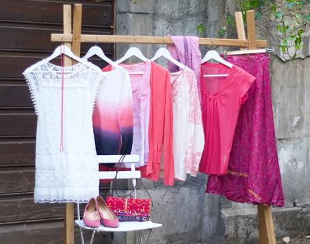 Garde-robe femme colorée et nature